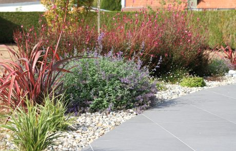Colver créateur jardin paysagiste oise noyon compiègne aménagement massif fleuri paillage minéral galets